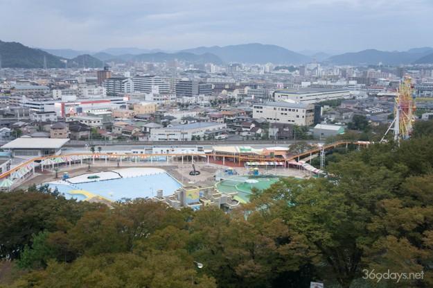 兵庫県姫路市・手柄山の回転展望台から見た手柄山遊園